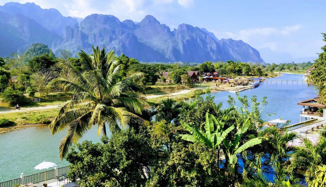 Vang Vieng : les paysages de montagne karstique